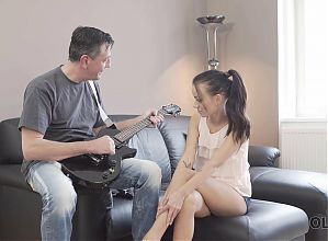 OLD4K. Old guitarist makes love with devoted and petite fan