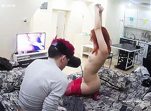 Amateur Couple Discover New Sensations with VR Technology